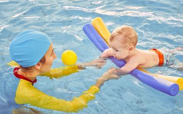 Kleinkindschwimmen_AdobeStock_314410346
